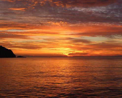 sunset-1198134_1920